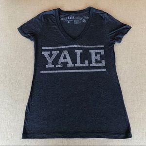 YALE University V-Neck Shirt M LOL Vintage F268
